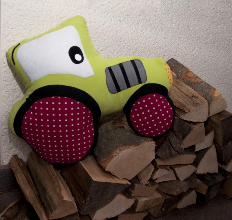 Traktor-Holz-01